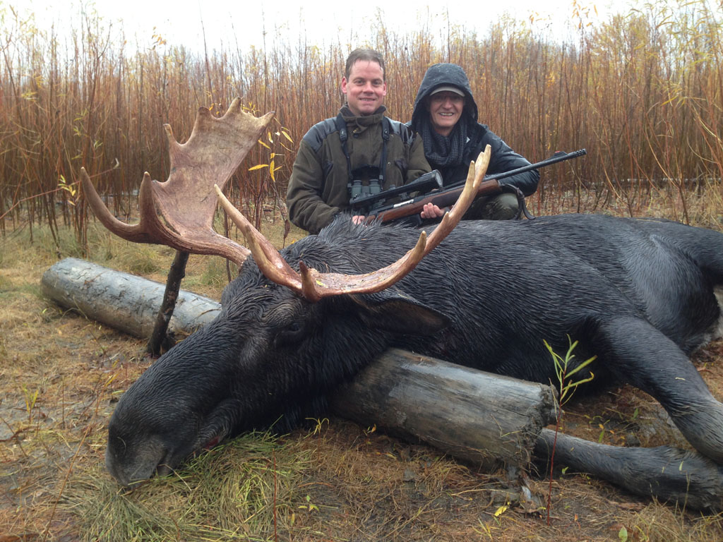 canada moose hunting outfitters